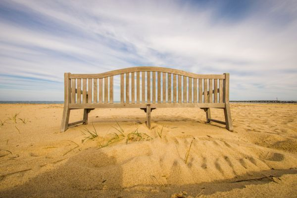 Freedom Comes From How You Live Sand-bench600