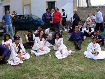 Svadbeni običaji širom sveta Srbobranci-romska-svadba