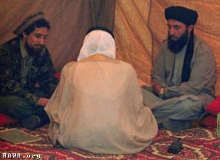 Qui était réellement Massoud l'Afghan - Page 2 Massoud_gulo