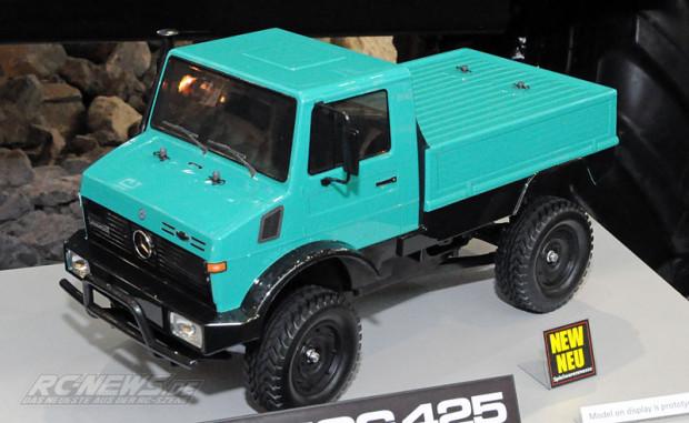 [New] Tamiya unimog 425 Spielwarenmesse-2015-Tamiya-Mercedes-Benz-Unimog-425-CC-01-1-620x381