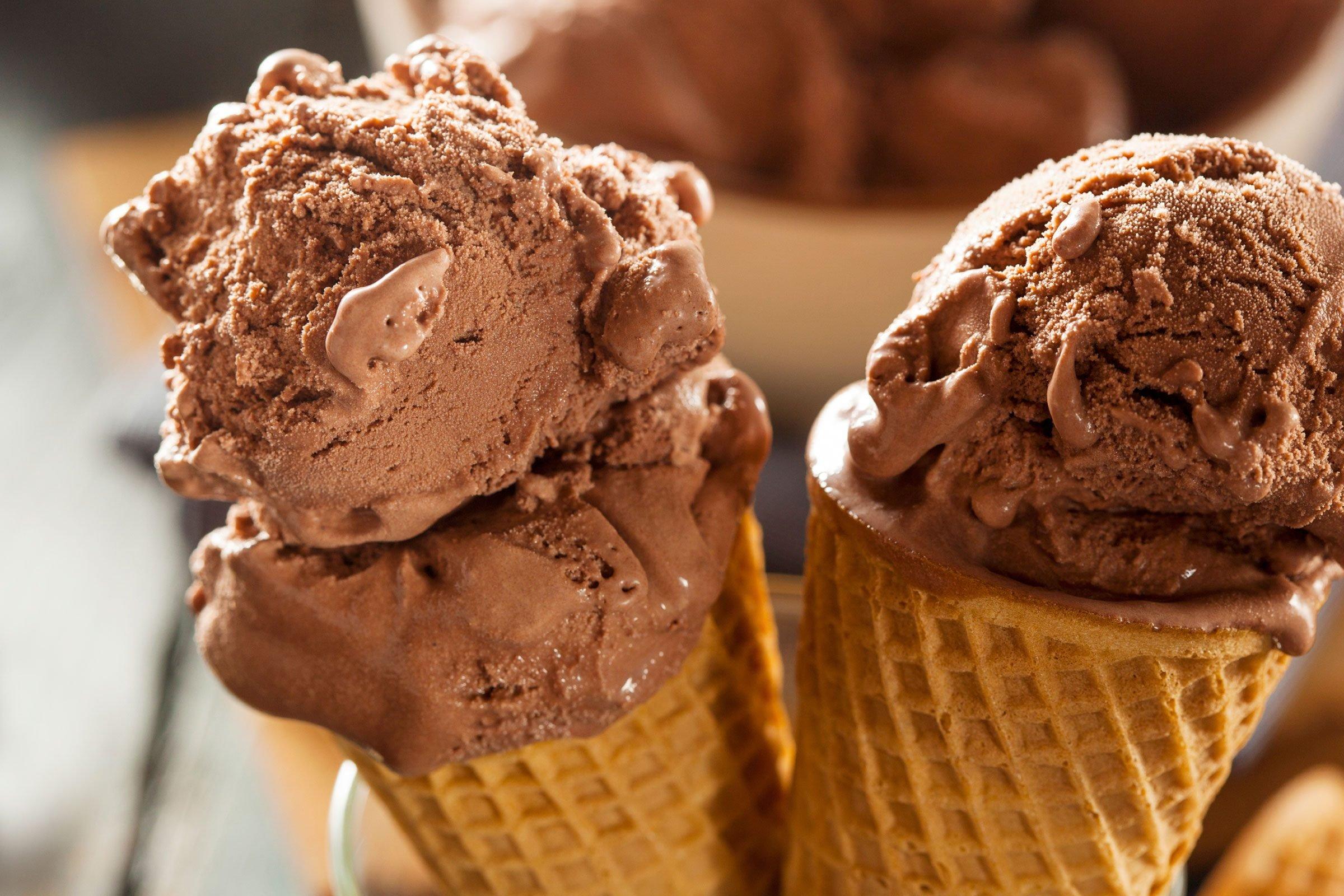 Čime bi  udarili forumaša iznad ? - Page 17 04-traits-ice-cream-chocolate