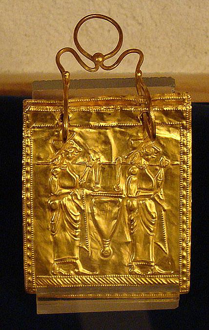 Kakva je korist od čitanja? Ove slike to znaju. Etruscan-gold-book-thracian-prayer-book1