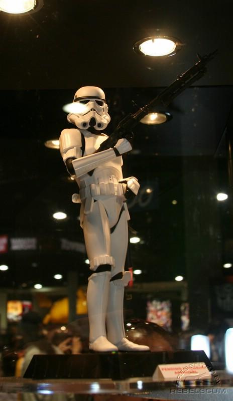 Gentle Giant - Stormtrooper Statue IMG_3351