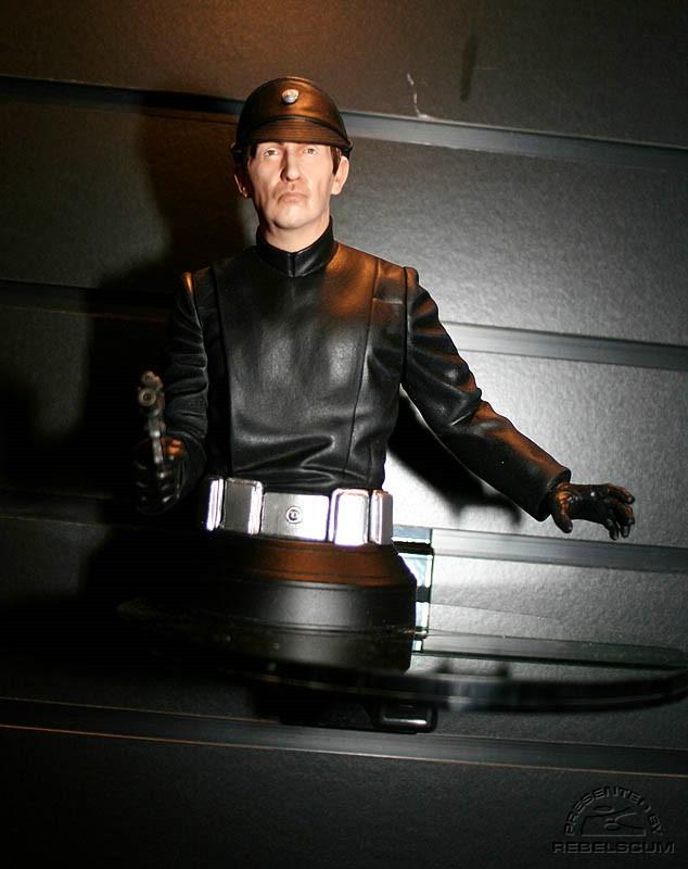 lieutenant Renz mini-bust IMG_8285