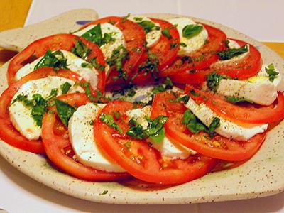 FOTOS: SÁBADO 18 de Agosto 2012: TRANQUI KEDADA en casa de PSYCHO (Benalmádena) (PARA TOD@S) Ensalada-de-mozzarella-y-tomate