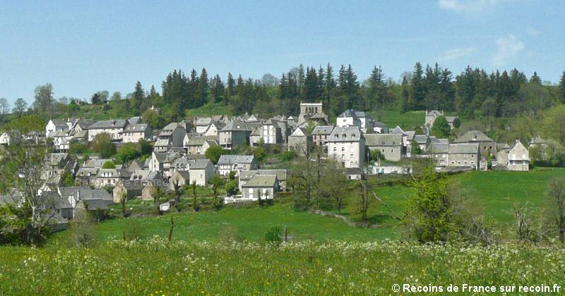 Villes et villages de charme du Cantal Saint-urcize-1