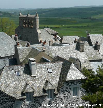 Villes et villages de charme du Cantal Saint-urcize-2