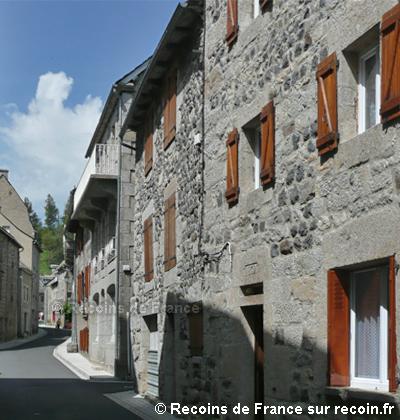 Villes et villages de charme du Cantal Saint-urcize-4