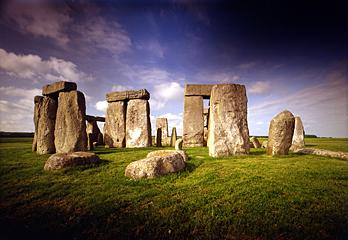 recent archaeological discoveries 11933stonehengeblue
