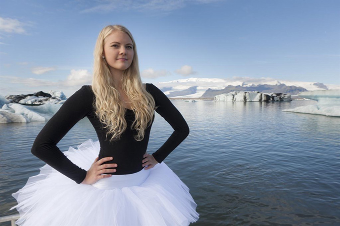 First They Jailed the Bankers, Now Every Icelander to Get Paid in Bank Sale 34639ice-large