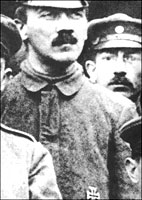 Секрет КОРОЛЕВЫ ВИКТОРИИ: ФЮРЕР АДОЛЬФ ГИТЛЕР БЫЛ ЕЕ ВНУКОМ! Hitler-iron-cross