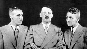 Секрет КОРОЛЕВЫ ВИКТОРИИ: ФЮРЕР АДОЛЬФ ГИТЛЕР БЫЛ ЕЕ ВНУКОМ! Hitler-wolfgang-wieland
