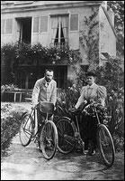 ЧЕРЧИЛЛЬ И ЯДЕРНЫЙ АРСЕНАЛ ГИТЛЕРА! Pierre-and-marie-on-bicycles