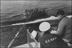 ЧЕРЧИЛЛЬ И ЯДЕРНЫЙ АРСЕНАЛ ГИТЛЕРА! U-234-surrendering