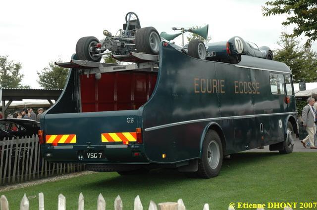 Les véhicules publicitaires paradent au musée de l'auto Revival_2007-DSC_5683