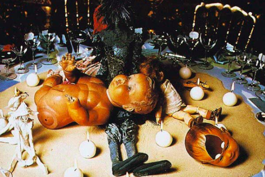 17 Genuinely Creepy Photos From A 1972 Rothschild Dinner Party  10r