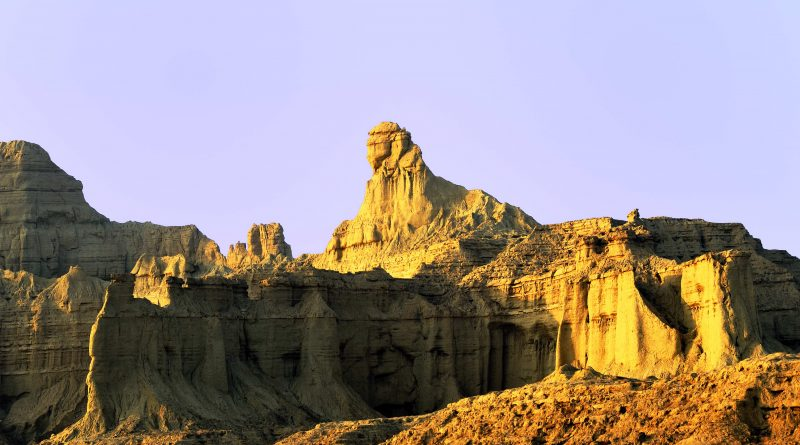 The Mystery of the Balochistan Sphinx: Remnants of an Ancient Indus Valley Civilization?  4311176906_114f7ba605_o-800x445