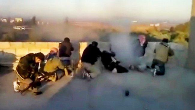 pour - Paris et Londres veulent livrer des armes aux rebelles syriens Syrians_rebels