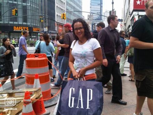 Venezuela, Crisis economica - Página 32 Hijas-de-chavez-de-compras-en-el-imperio