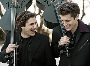 Il violoncello da favola di Luka e Stjepan da YouTube ai concerti di ELTON JOHN 051515083-713fcfdb-341e-4283-ad67-3324a9a7c0c3