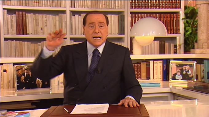 Berlusconi e le strategie per evitare il peggio: dalla grazia alla revisione del processo. 055213379-eac653f3-0990-4fa8-a2f0-fc6ff658656f