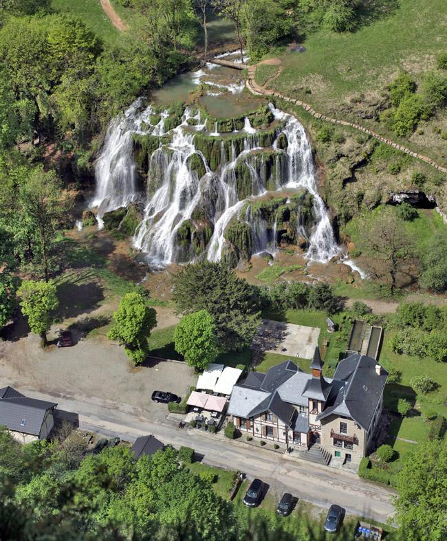 une cascade  - ajonc - 24 août 2016 trouvé par Martine Domaine-des-cascades