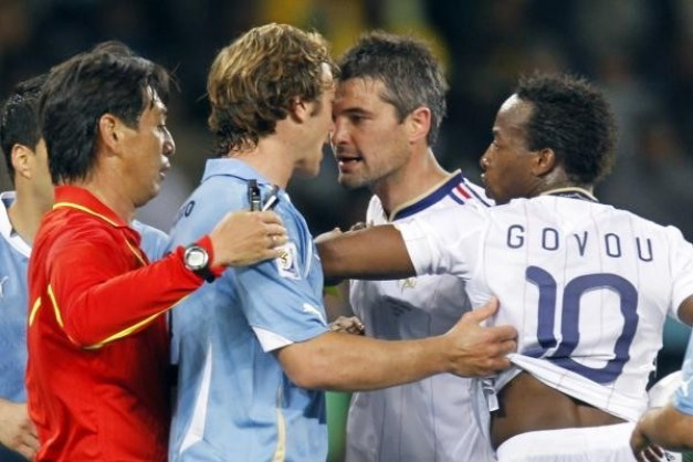 ¿Te unes a Zona Malaguista? Toulalan-francia-lugano-uruguay-reacciona-su-copa-mundial-2010-grupo-partido-futbol-green-point-estadio-ciudad-cabo-rf_157273