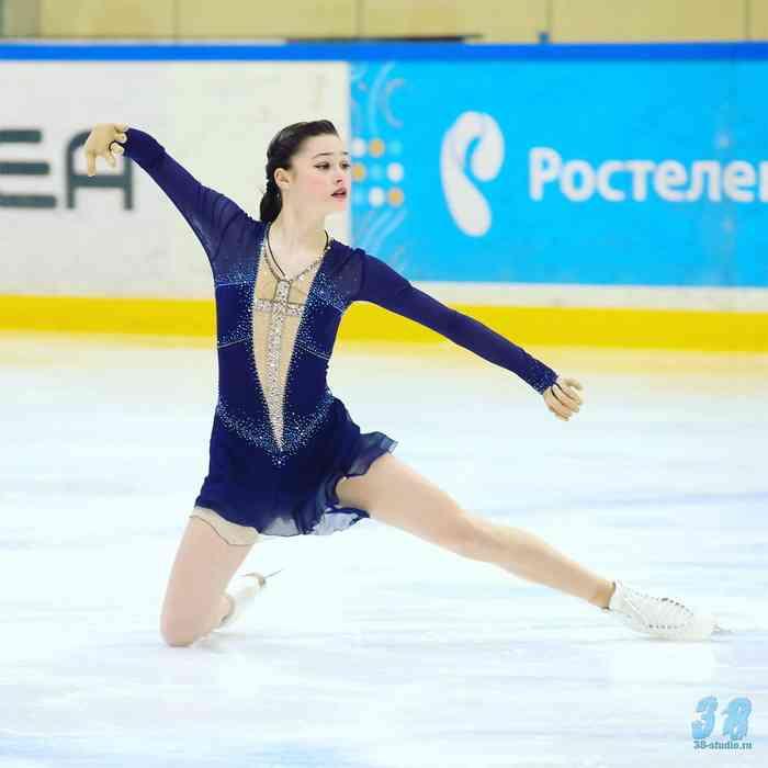 Анастасия Гулякова - Страница 2 Gb0nwpxb70s