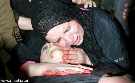 Egypt: Cel putin 74 de morti la un meci de fotbal din Egipt! 428972_201213516642733_179298485500903_353555_1846091659_n