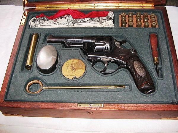 Revolver 1892 - Page 3 Revolver-1874-prix-de-tir-coffret