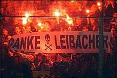 banderoles insultantes Leibacher