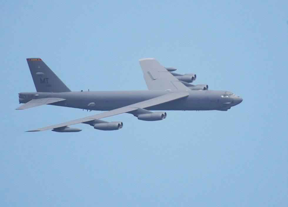 القاذفة Stratofortress  B-52 B52Banking