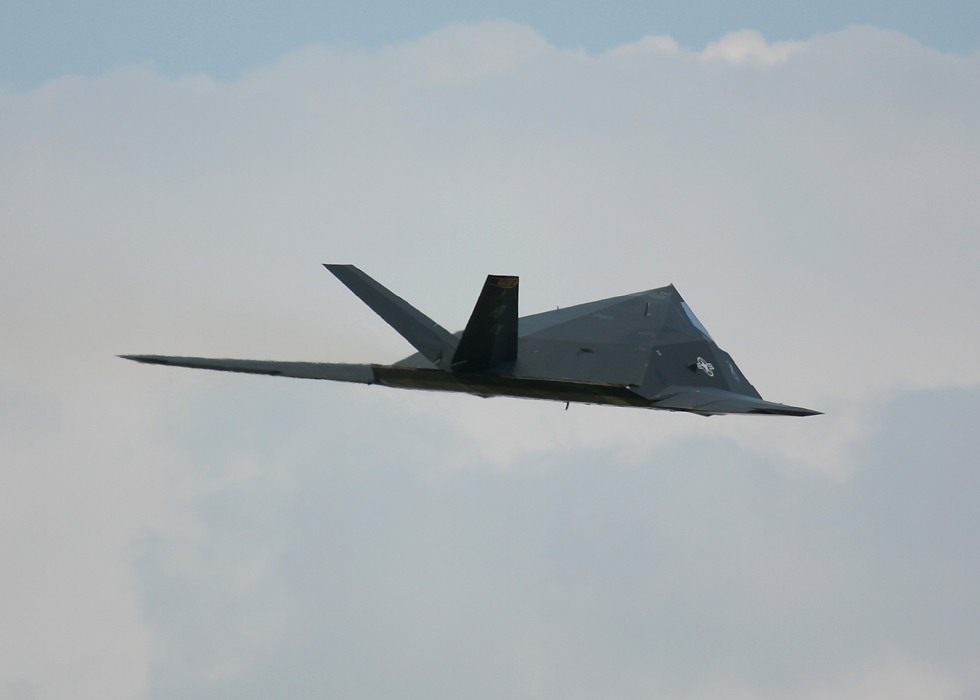 الطائر الامريكية الغير مرئيةطائرة التسلل الأمريكية الغير مرئية F117RearView