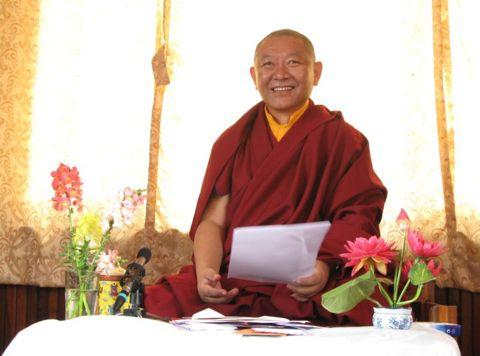 Evénement: Visite de Ringu Tulku Rinpoche à Samye Dzong (Bruxelles) du 26/03 au 28/03/2010 480px-Ringu_Tulku_Visit_Pharping_Shedra_2008