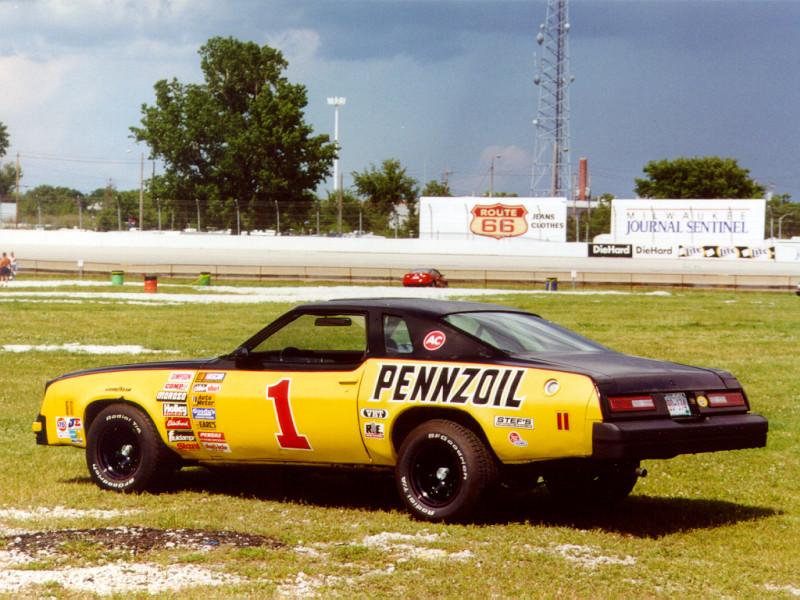 Nascar spoiler 1976_Pennzoil_Laguna_Race_Track
