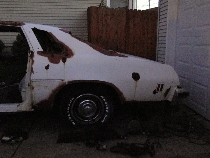 OK, Here is what I have. 1977 Malibu Classic......SE???? - Page 2 1976_Chevelle_Driver_Side_Quarter_USED_001_A