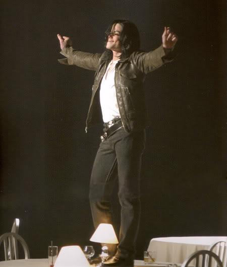 """Immagini vietate ai """"deboli di cuore"""" - Pagina 3 Michael-jackson-one-more-chance1"""