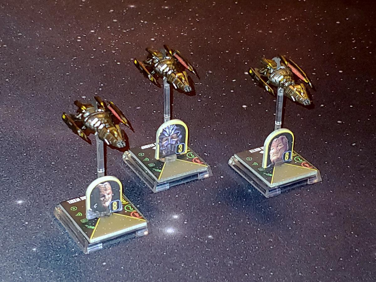 Zeigt her Eure Flotten, zeigt her Eure Schiffchen... - Seite 4 STAW_Flotte_Aehnelt_Hirogen