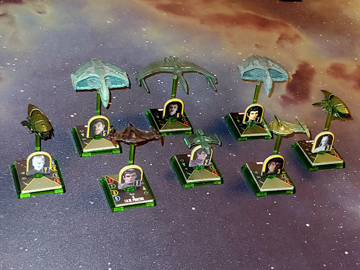 Zeigt her Eure Flotten, zeigt her Eure Schiffchen... - Seite 4 STAW_Flotte_Aehnelt_Romulan