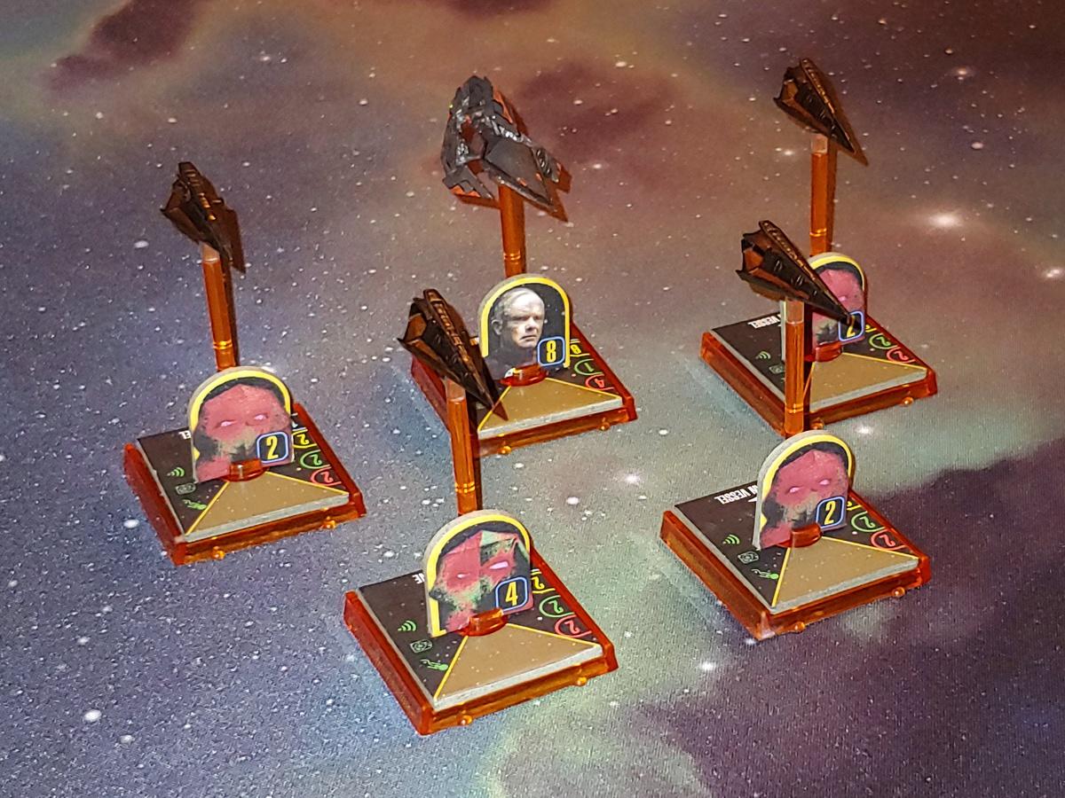Zeigt her Eure Flotten, zeigt her Eure Schiffchen... - Seite 4 STAW_Flotte_Aehnelt_Tholian