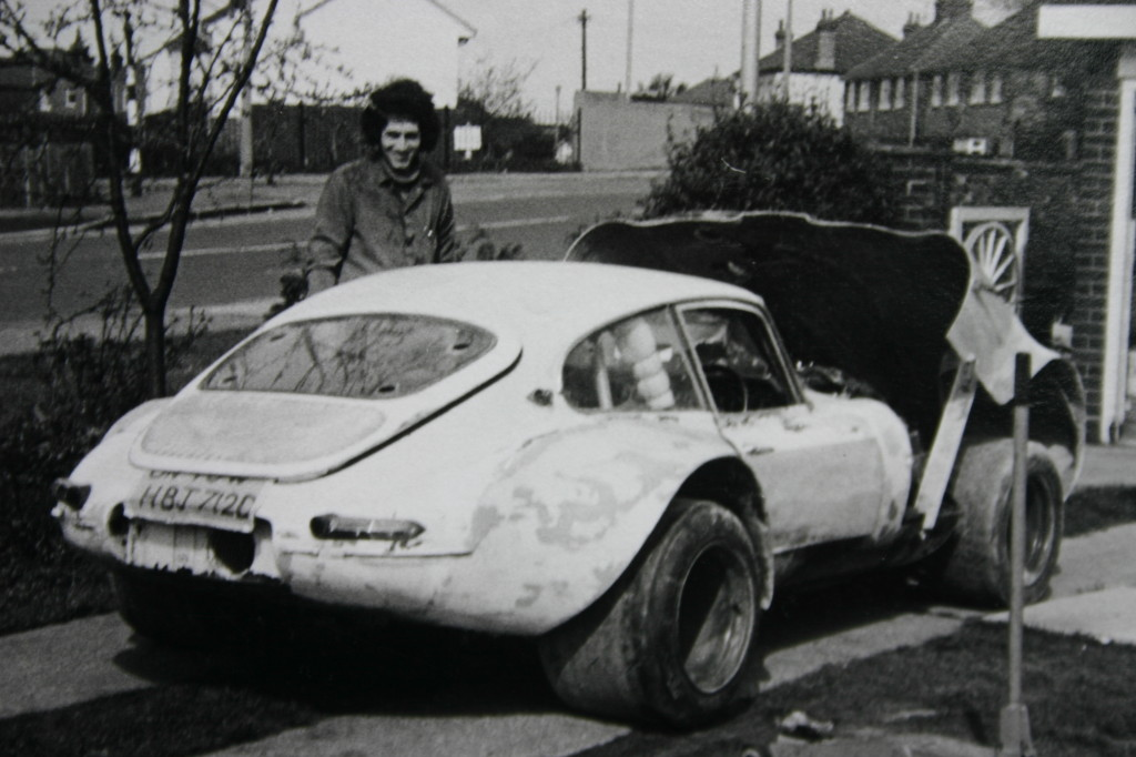 Jaguar à toutes les sauces. - Page 12 1972-Building-Modsports-Turbo-E-Type-big-hair-1024x682
