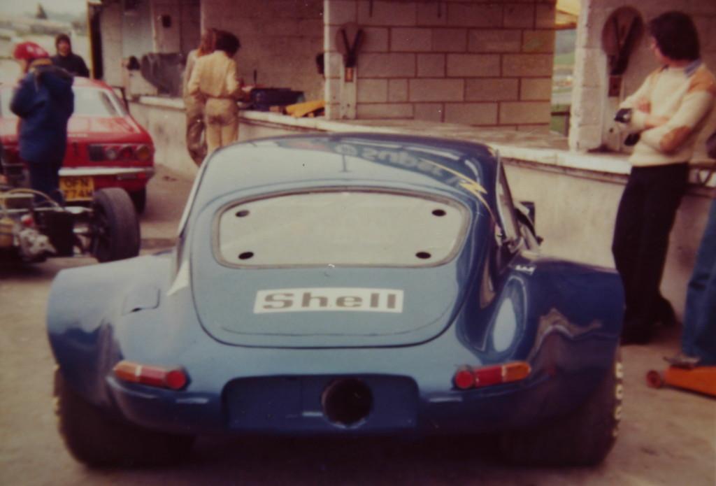 Jaguar à toutes les sauces. - Page 12 Modsports-Turbo-E-Type-at-Brands-1975-Built-by-Roberto-e1367089906328-1024x695