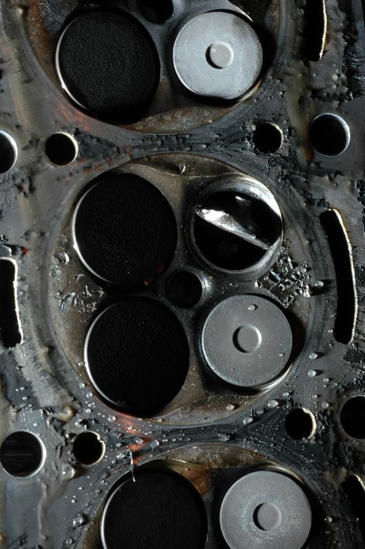 JPG WAR - Page 2 Cylinder%202%20Exhaust%20valve%20gone%20bad