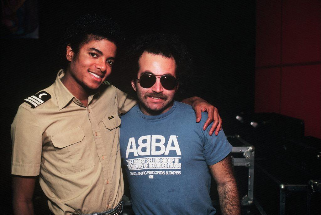 Fotos Com Histórias e Curiosidades - Página 12 Michael-Jackson-1024x689