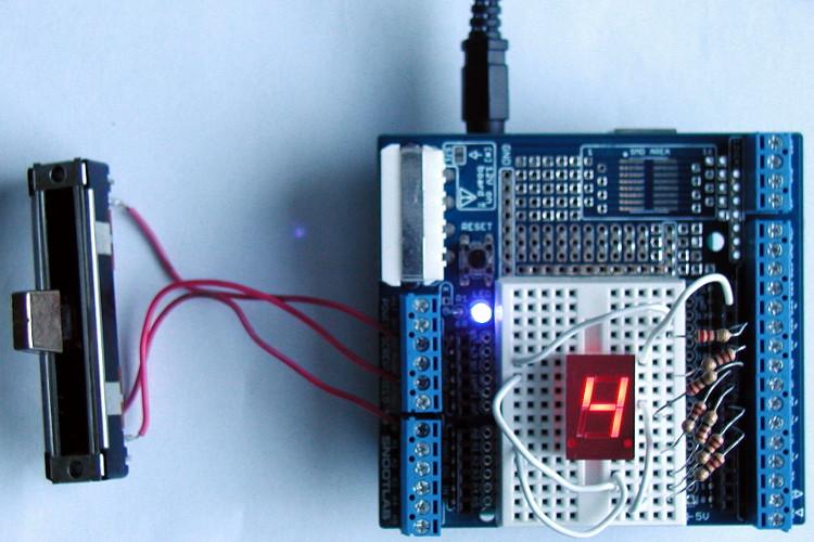 Topik des bidouilleurs d'électronique, électricité, mécanique, trucs en carton...  - Page 3 Arduino_7seg_4