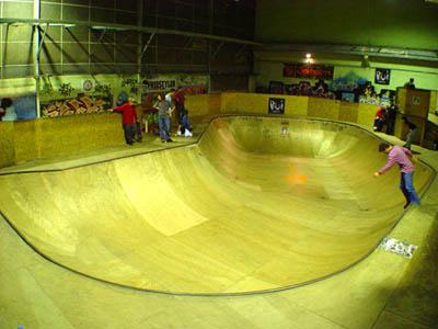 Mois de Juin 2008 - Page 2 Skatepark_rouen_3