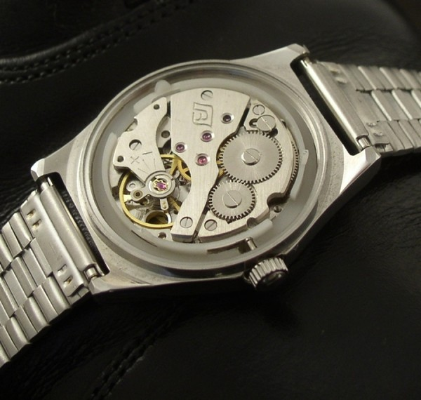 Incoming - these are *not* vintage... Diamond_2b_movement