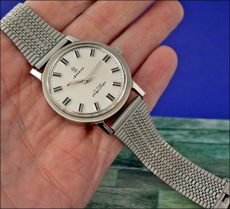 VERY inexpensive bracelet for vintage Chinese watches - Jinji nooshoos ( Jinji_bracelet1_1