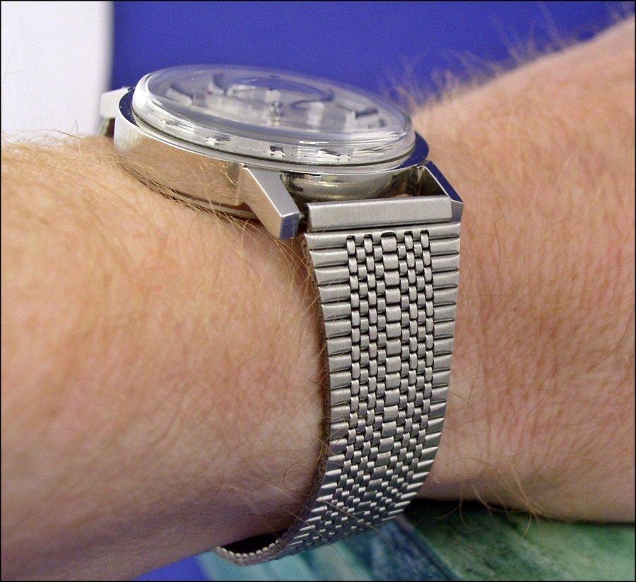 VERY inexpensive bracelet for vintage Chinese watches - Jinji nooshoos ( Jinji_bracelet1_2