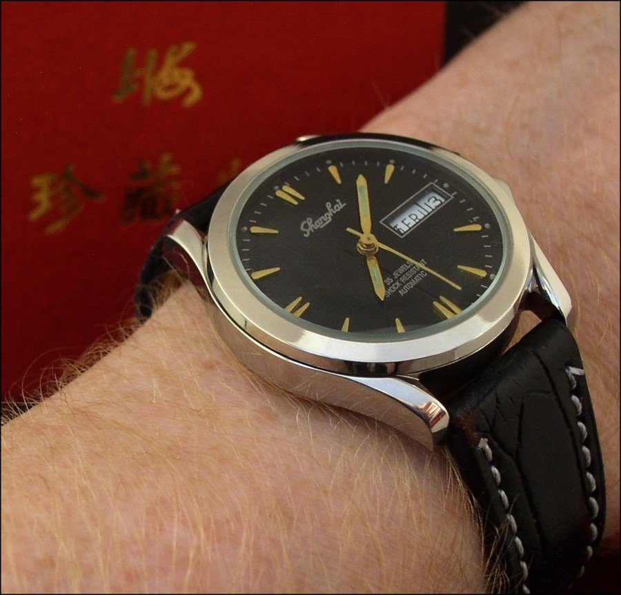 2005 Shanghai 8120 Ltd Automatic Shanghai_813_wrist_2